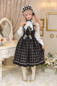 双子の道化人形ジャンパースカート